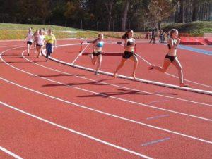 Reprezentantka 43 Liceum w Krakowie zwycięża w zawodach biegowe