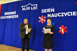 Liceum 43 - śpiew nauczycieli przy okazji Święta Edukacji Narodowej