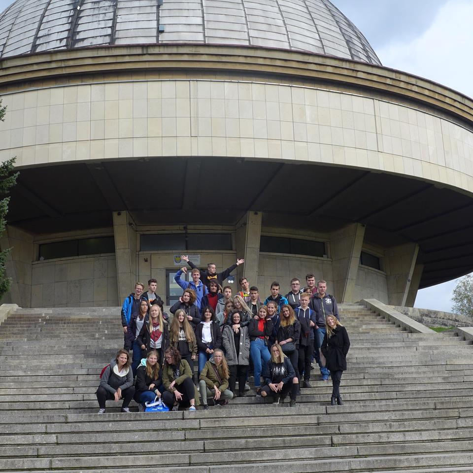 Licealiści w planetarium