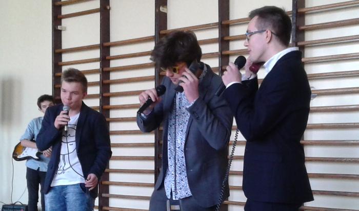 Koncert w Dzień Kobiet w 43 Liceum w Krakowie